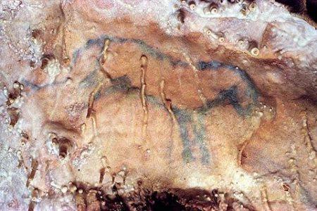 Villars: la cueva del pequeño caballo azul