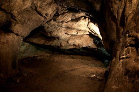 Grotte Sombre: labar artearen iluntasunak argitzen